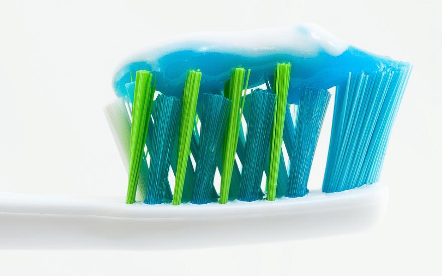 Zahnpasta Rost entfernen Hausmittel